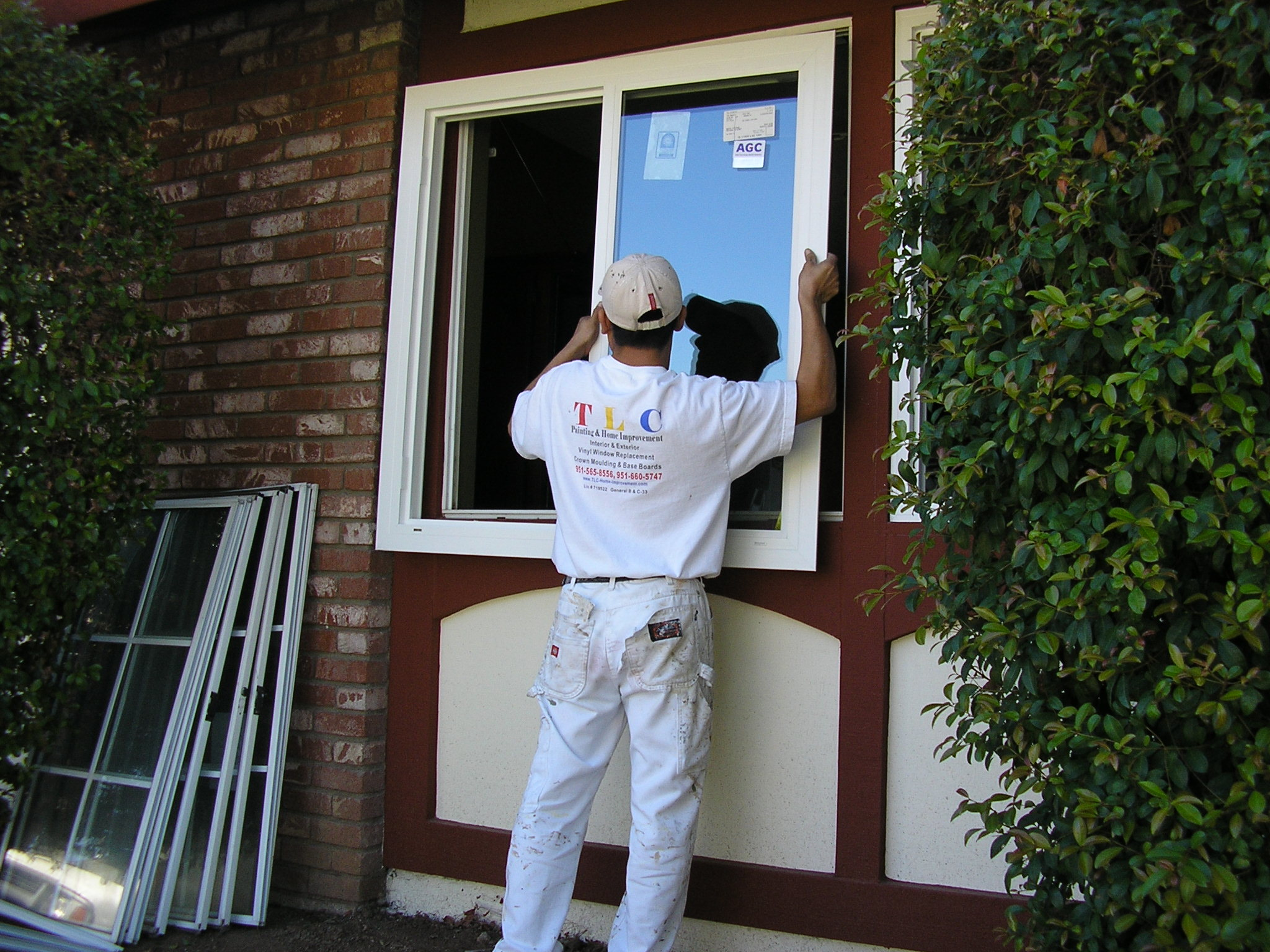 Tlc home improvement how new vinyl windows are installed for Installing vinyl replacement windows